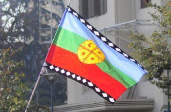 Bandera mapuche o Wenufoye